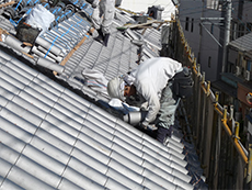 てり屋根,銅線緊結,ビス固定