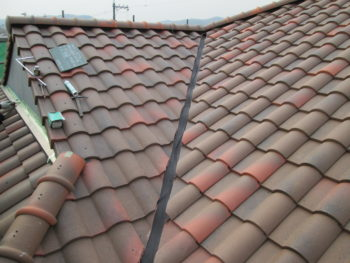 谷板入替え,経年劣化,屋根漆喰