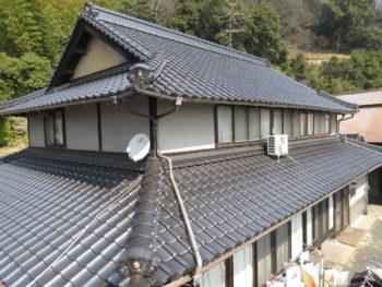 石州瓦,銀黒色,入母屋屋根
