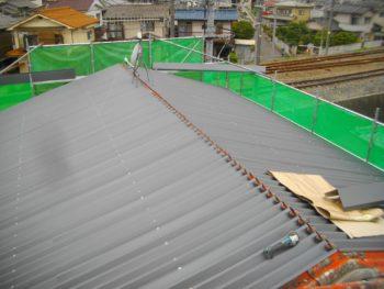 縦葺き,屋根材の変退色,錆防止