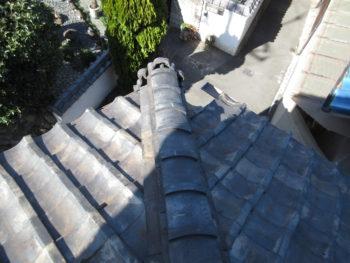 瓦の隙間,コケによる毛細管現象,雨漏り原因