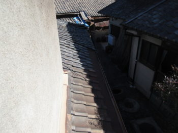 葺き土の劣化,瓦のズレ,瓦落下