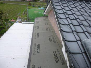 庇板金交換,防水シート,壁際の防水処理