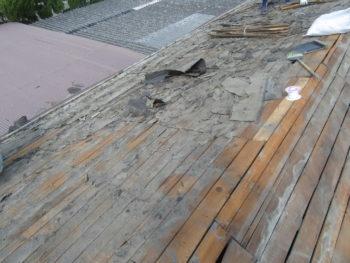 セメント瓦,離れの屋根,下地ルーフィングの劣化