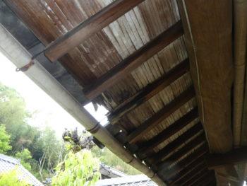 下地板の腐食,瓦のズレ,雨漏り調査
