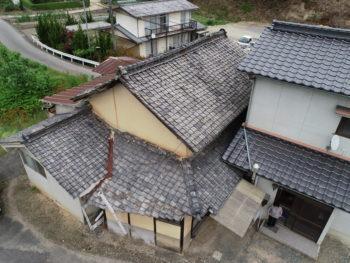 変則屋根,土壁,瓦の劣化