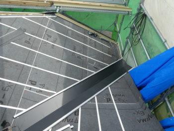 ルーフィング,規定順守,カラーステンレス製の谷板
