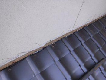 壁際の瓦,瓦の長さ調整,ステンレス釘で固定
