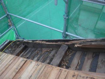 木材の腐食,耐風性低下,防水性低下