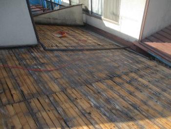 野地板交換,下地板の変色,屋根の補修