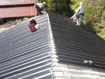 軽量屋根,ガルバリウム鋼板,雨漏り防止